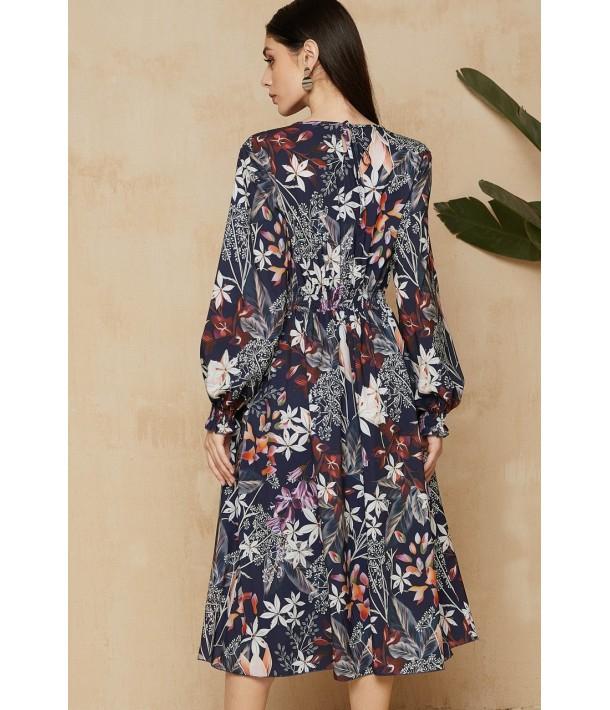 Темно-синя сукня з принтом в квіти в довжині міді