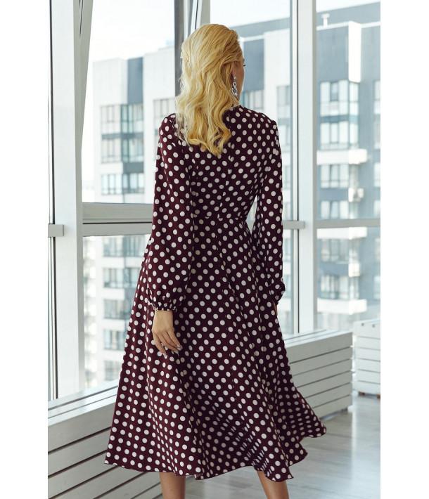 Бордовое платье на запах с объемными рукавами в молочный горох