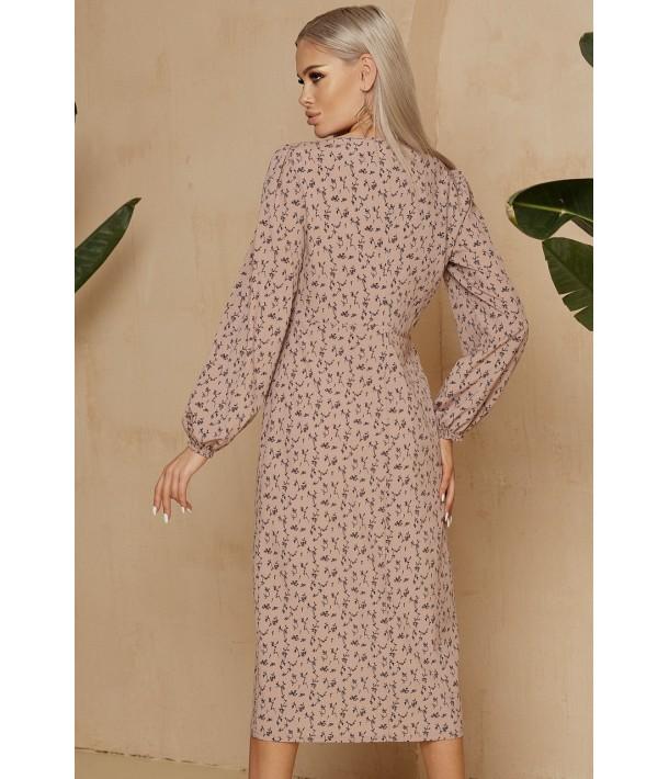 Бежевое платье-футляр миди в цветочный узор