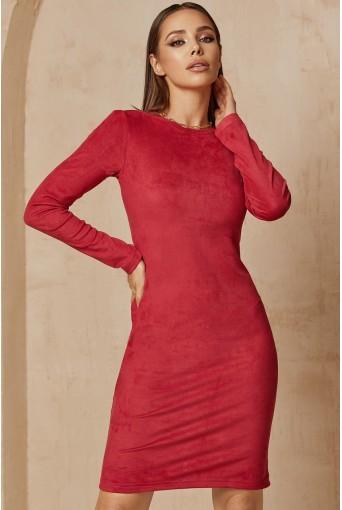 Ягодное замшевое платье-футляр