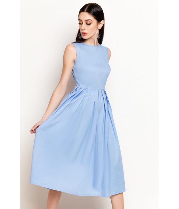 Голубое платье в полоску с юбкой в складку