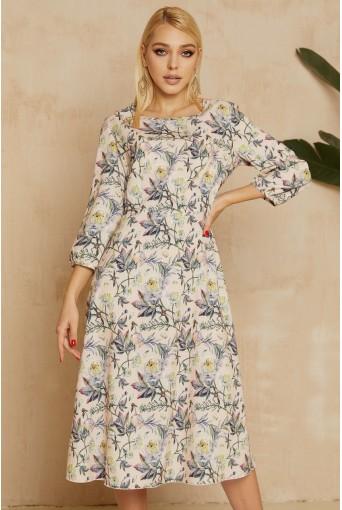 Персиковое платье миди с цветочным принтом