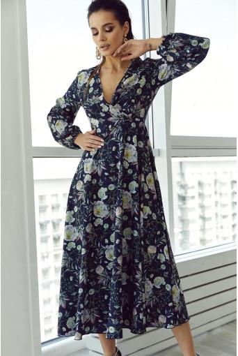 Темно-синее платье на запах с объемными рукавами в цветочный принт