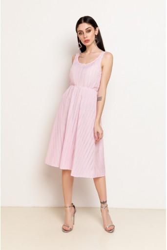 Розовый сарафан в белую полоску с вышивкой ниже колена