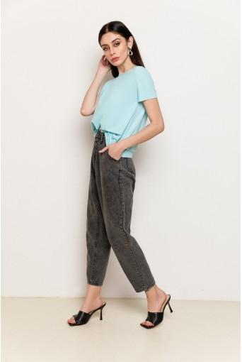 Серые джинсы слоучи с защипами
