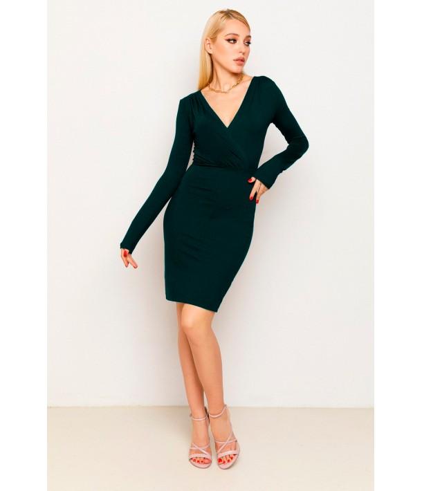 Изумрудное платье-футляр с V-образным вырезом