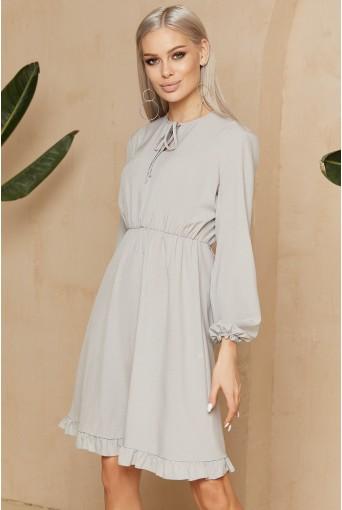 Серое платье с завязками в мелкий пудровый горох