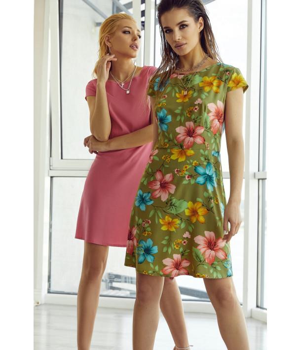 Платье мини приталенное в яркие цветы на хаки