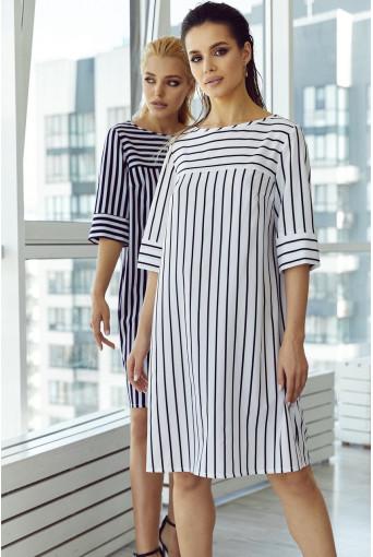 Платье-трапеция с принтом в тонкую бело-синюю полоску