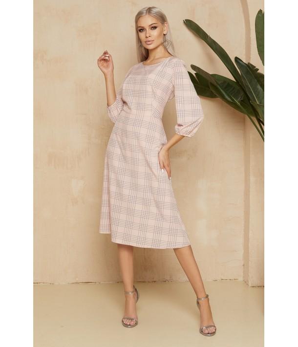 Розовое платье миди в клетку