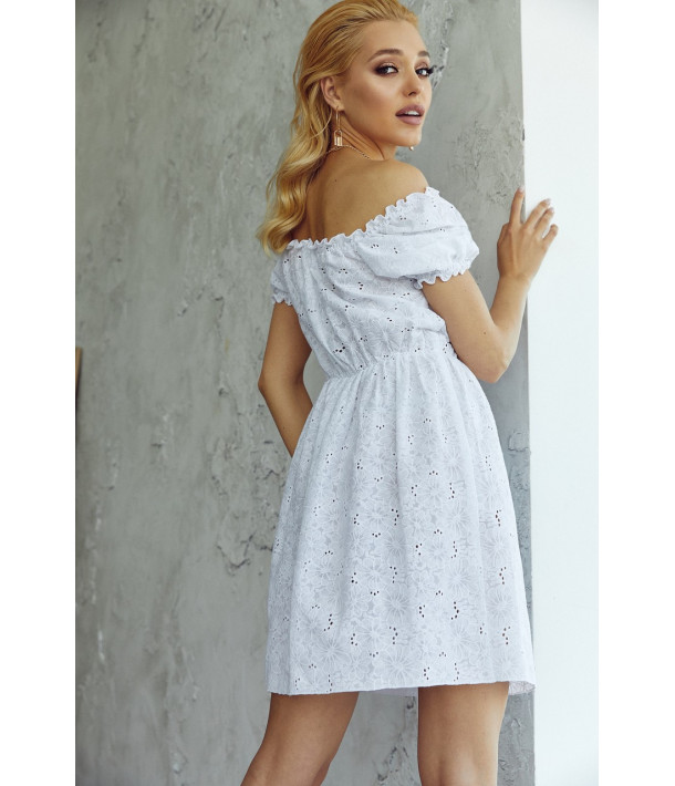 Белое платье прошва с рукавом фонариком