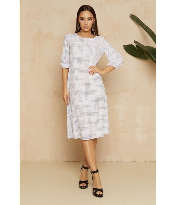 Біла сукня міді в клітинку