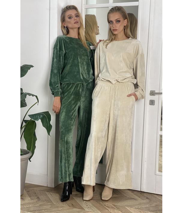 Молочный плюшевый костюм двойка: брюки и свитшоты