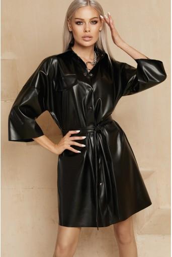 Черное платье-рубашка мини из эко-кожи