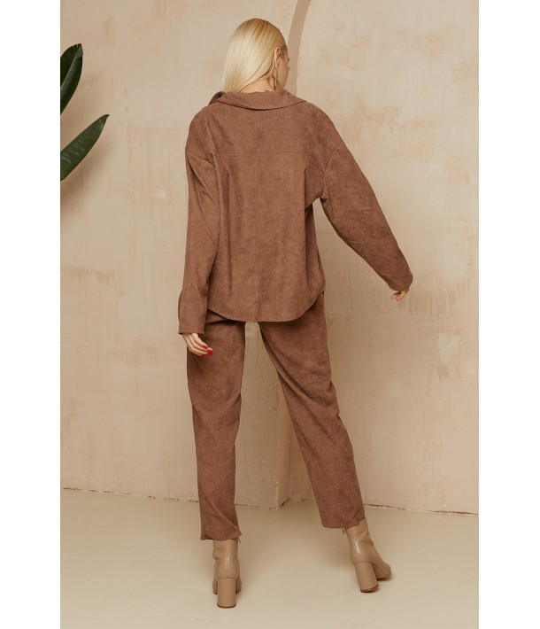 Жіночий вельветовий костюм коричневий