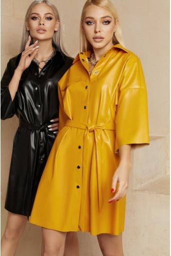 Горчичное платье-рубашка мини из эко-кожи