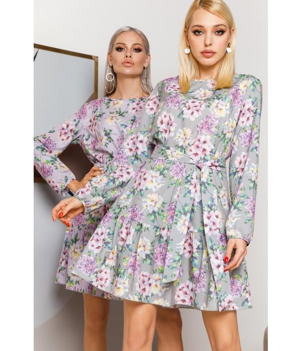 Сиреневое платье с оборкой по низу с принтом гортензии