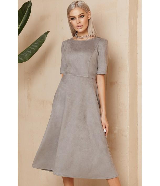 Сіра замшева сукня нижче коліна
