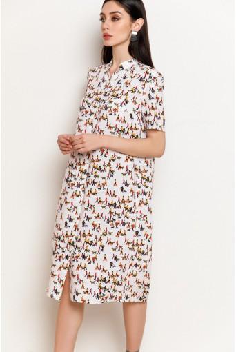 Молочное платье-рубашка с принтом человечки из штапеля